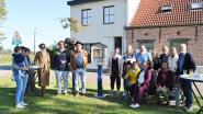 Eerste boekenruilkastje in wijk Rustwat