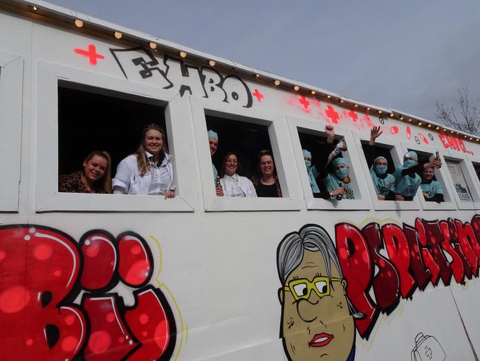 Was het deze Haarense carnavalswagen waarover Vughtenaren afgelopen dinsdag klaagden of zorgde een andere 'herriewagen' in Vught voor geluidsoverlast?