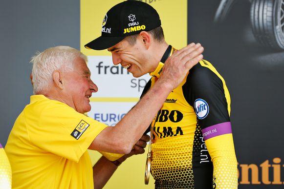 De voorbije zomer met felicitaties voor Wout van Aert nadat die met Jumbo-Visma de ploegentijdrit in de Tour won.