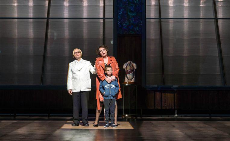 Christopher Maltman (Wozzeck), Eva-Maria Westbroek (Marie) en Jacob Jutte. Beeld RV