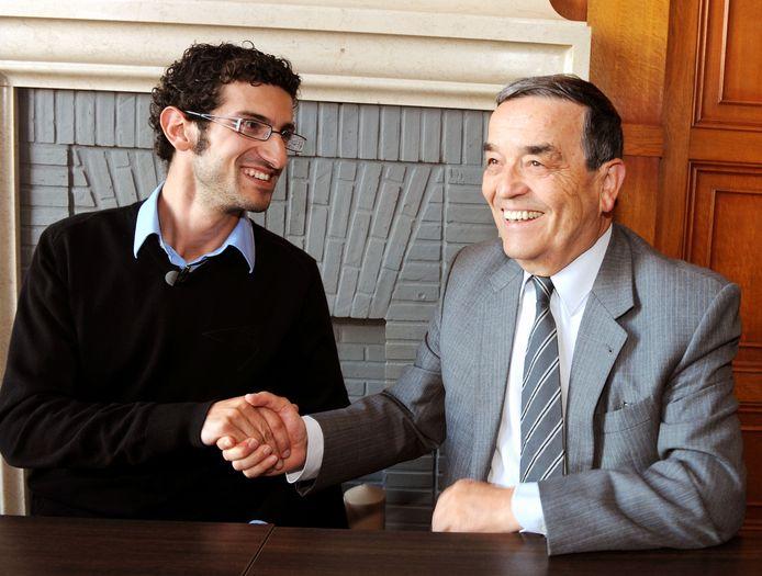Louis Tobback gaf de sjerp door aan Mohamed Ridouani (sp.a) maar is ondertussen actief in de provincieraad van Vlaams-Brabant.