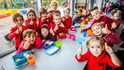 """Basisschool De Zonnebloem kleurt helemaal rood: """"We sparen voor een stiltehuisje voor de kinderen"""""""