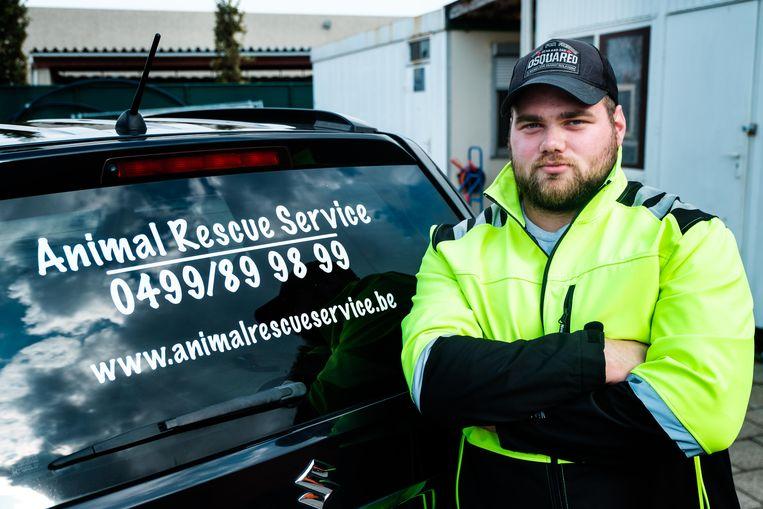 Matthieu Helleputte van Animal Rescue Service.