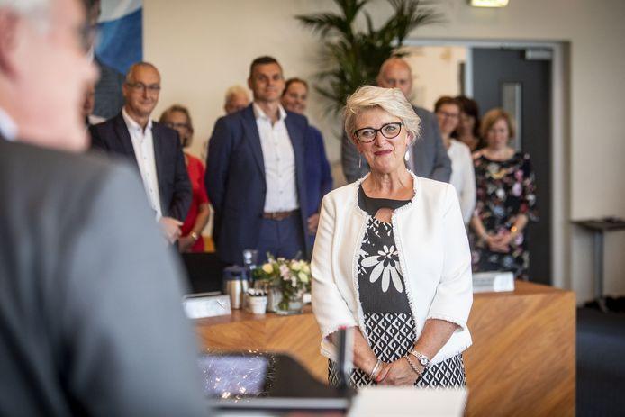 """Eerste burger Doret Tigchelaar van Wierden vorig jaar bij haar installatie: """"Ik viel voor Wierden. Na het lezen van de burgemeestersvacature werd ik werkelijk verliefd op de gemeente."""""""