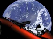 Tesla van Elon Musk uit koers: stevent af op asteroïdengordel