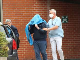 Aanvaller van Brugse burgemeester Dirk De fauw blijft twee maanden langer in de cel