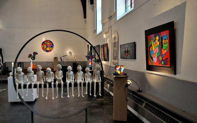 De kapel oogt mooi als tentoonstellingsruimte.