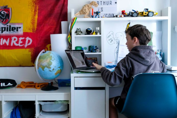 Scholen moeten voor kinderen in thuisquarantaine afstandsonderwijs regelen.