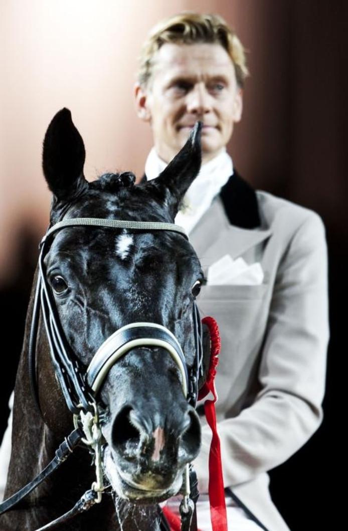 Totilas met Edward Gal op zijn rug. Het dressuurpaard is voor veel geld in Duitse handen gekomen. foto Koen van Weel/ANP