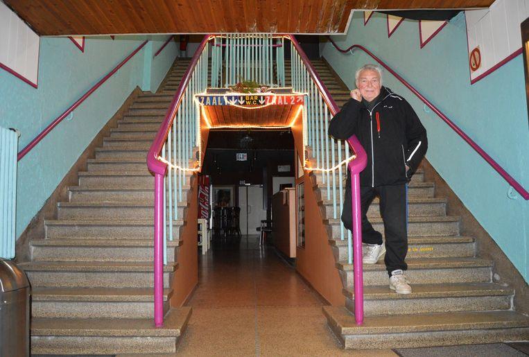 De bioscoop heeft nog zijn originele trap.