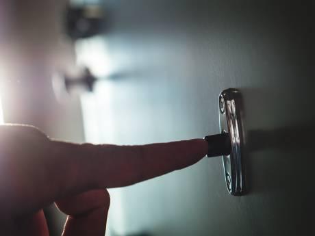 Onderzoekers: plaats Jehovah's onder verscherpt toezicht van de staat