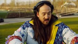 VIDEO. Steve Aoki opent radiostation van Tomorrowland met dj-set in Boom