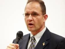 Leraar VS verontschuldigt zich voor afvuren geweer in klaslokaal