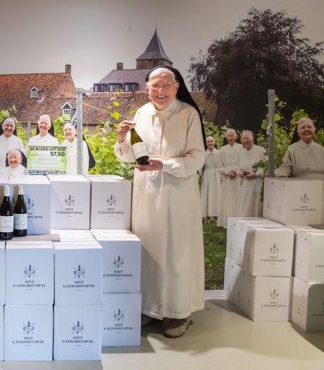 Zusters willen van hun wijn af: 'Eind deze maand komen er weer 20.000 flessen bij'