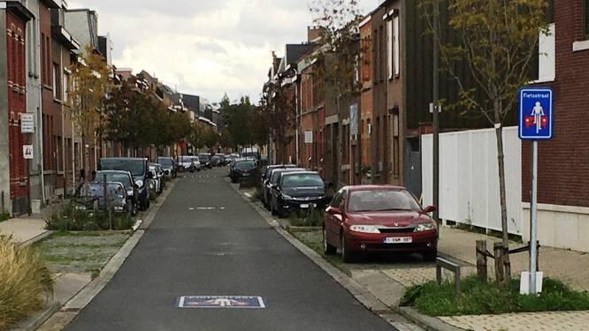 Fietsstraat Fodderiestraat krijgt rode asfaltlaag