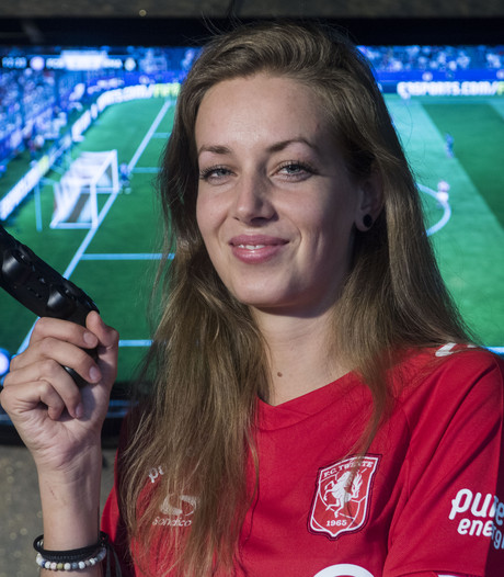 Deze dame is de schrik van elke FIFA-speler