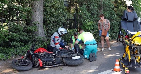 Motorrijder zwaargewond bij ongeluk in Helvoirt.