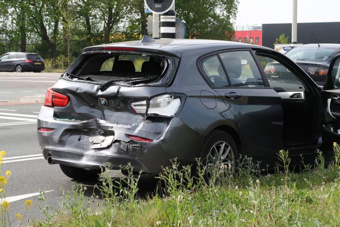 Een van de auto's na het ongeval in Breda.
