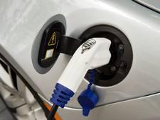 'Verkoop elektrische auto's richting miljoen'