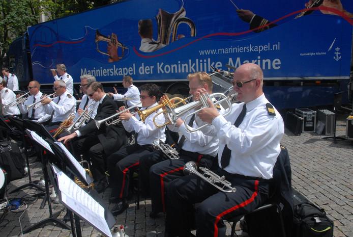 De Marinierskapel der Koninklijke Marine herbergt nogal wat blazers.