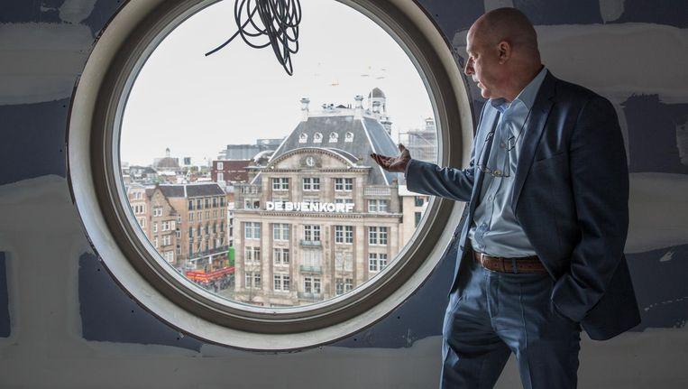 Eric Toren in een van de zestien suites van het hotel dat hij momenteel bouwt in het Gebouw Industria aan de Dam Beeld Dingena Mol
