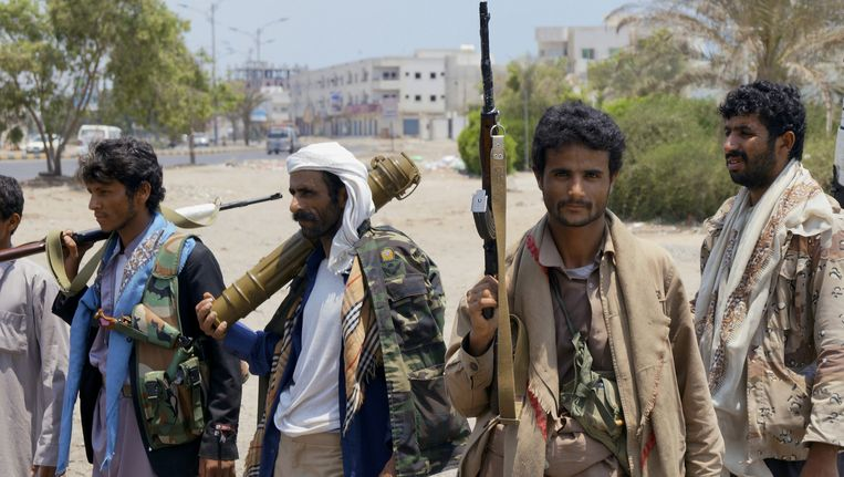 Houthi-rebellen in de stad Aden. Beeld ap