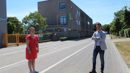 Straat voor school wordt verkeersvrij en dient als extra speelplaats: gemeente Aalter helpt scholen met coronaplan