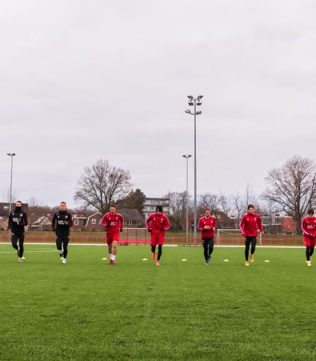 De beste wensen van FC Twente en Heracles: 'Snel weer publiek in ons stadion'