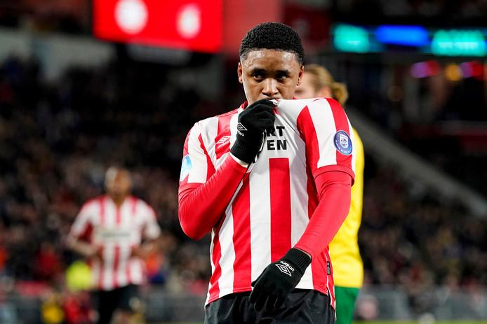 Steven Bergwijn, hier nog scorend voor PSV tegen Fortuna Sittard.