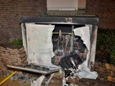 Tilburgers horen 'een knal' en zitten opeens in het donker, zes flats in Tilburg ontruimd door stroomstoring