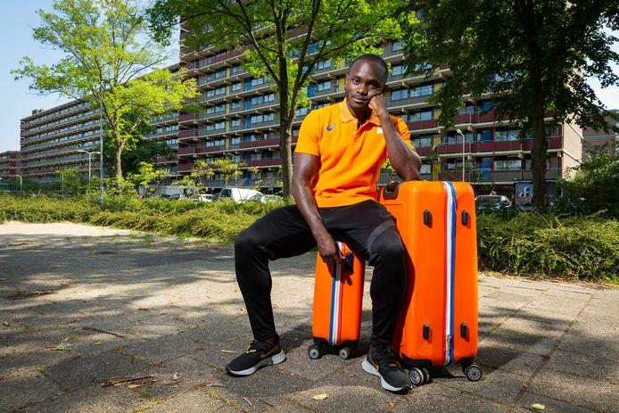Topsporter Solomon Bockarie kan in Nederland geen passende huisvesting vinden.