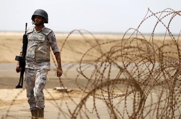 Een Saoedische militair nabij Jizan.