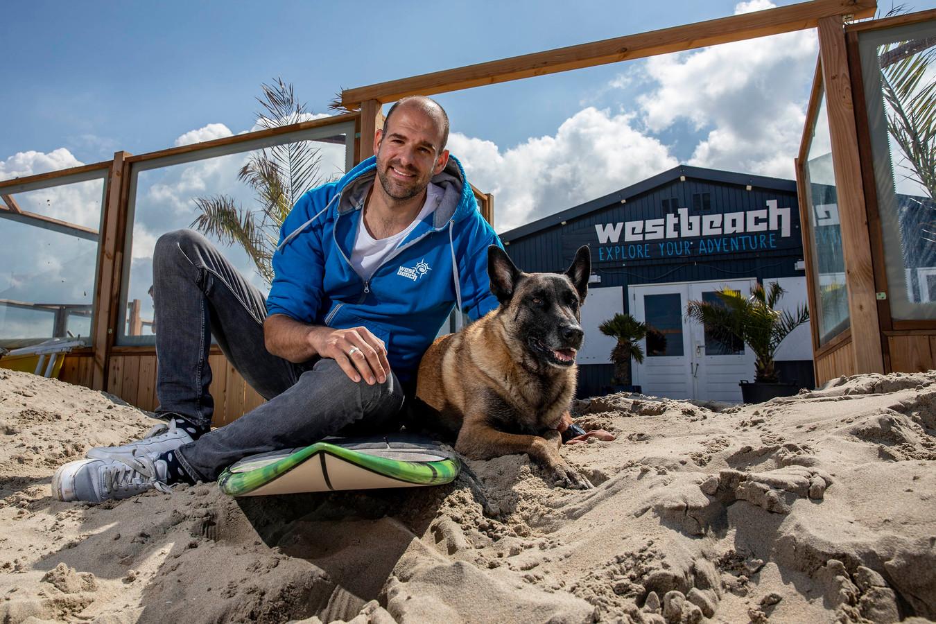 Paul Verhoeven van kitesurfschool Westbeach.