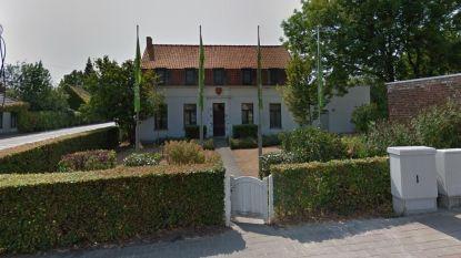 "Deelgemeentehuis in Kaster te koop: ""Instelprijs is 105.300 euro"""