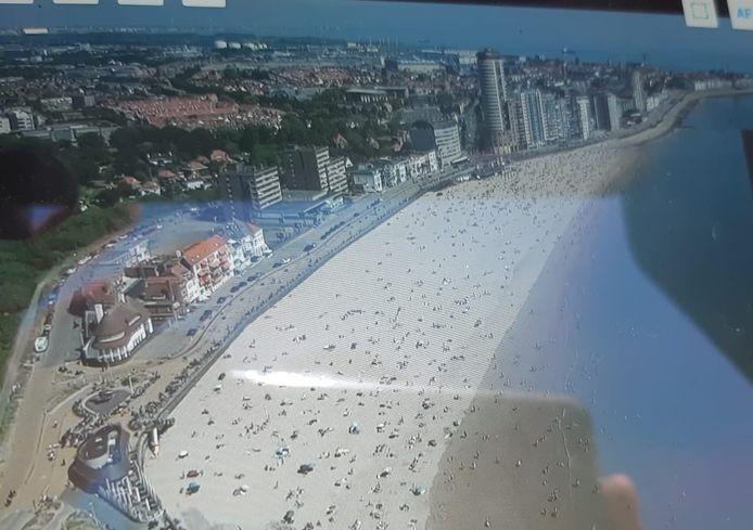 De politie controleerde met een drone hoe druk het was.