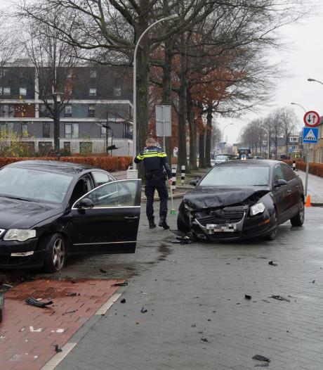 Politie gehinderd door weggebruiker na ongeval in Waalwijk: 'Mijn broekspijpen worden er bijna af gereden'