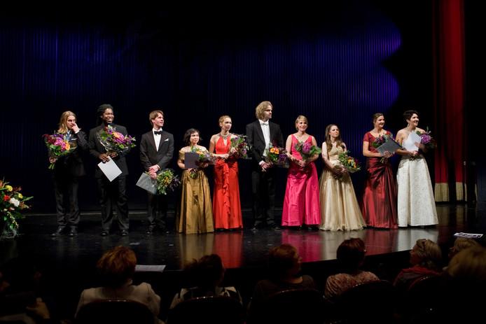 Alle finalisten van het IVC 2014 op het podium