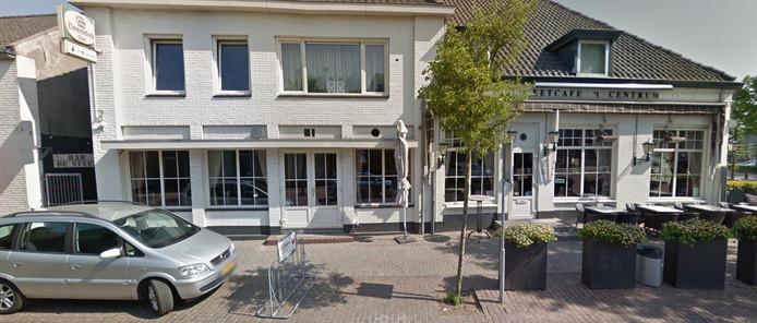 Bar De Steeg en café 't Centrum gaan in Moergestel over in de handen van Corné en Anke Zoontjens