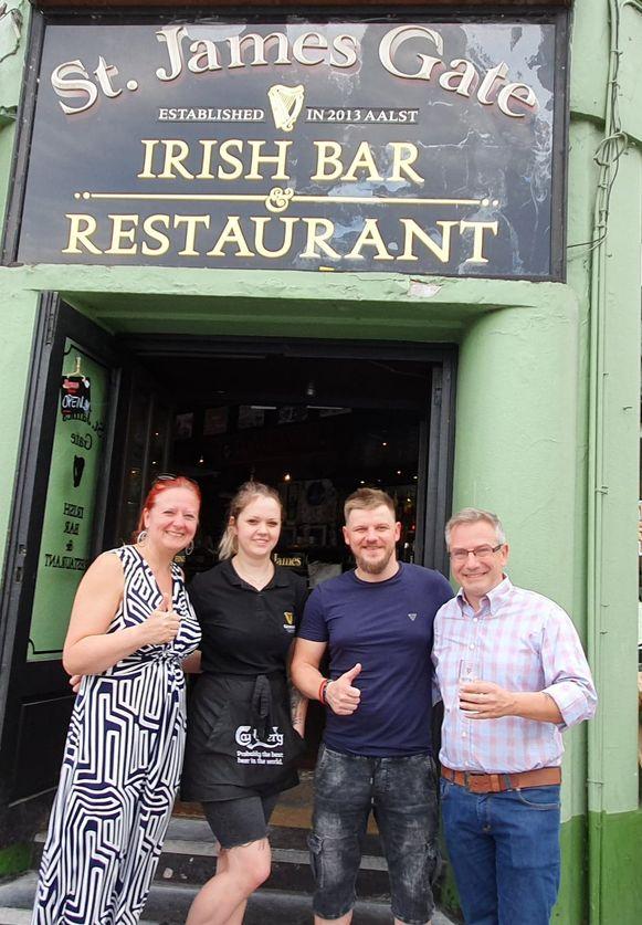 Vlaams Belangers in de Irish pub.