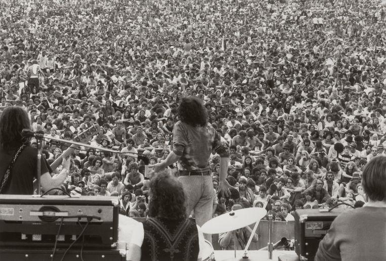 Joe Cocker op Woodstock 1969, dat naar schatting 400.000 bezoekers trok.