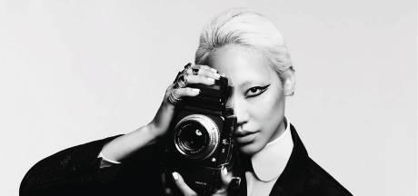 """Karl Lagerfeld X L'Oréal Paris: """"Karl était fou de produits de beauté"""""""
