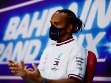 Onderhandelingen Hamilton en Mercedes vertraagd: 'Eerst weer op de been komen'