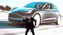 Gaat Tesla Amazon en Netflix achterna? Beleggers denken van wel