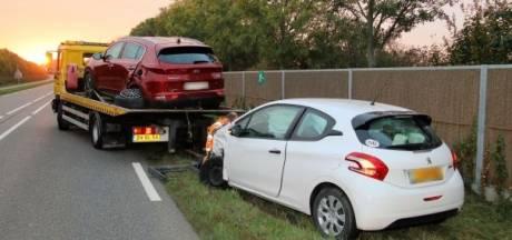 Twee auto's total loss na verkeersongeluk Zierikzee