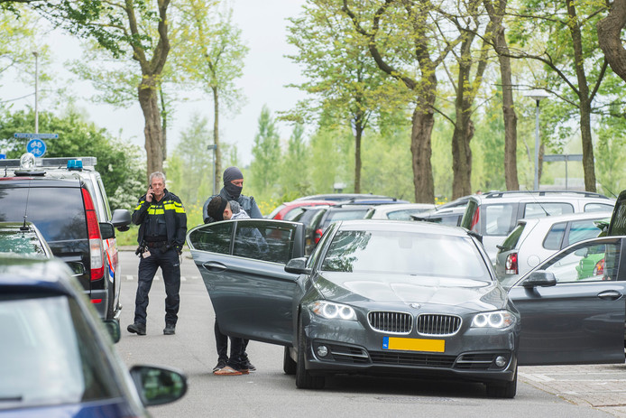 De politie arresteerde de man aan de Dommeringdreef in Overvecht.