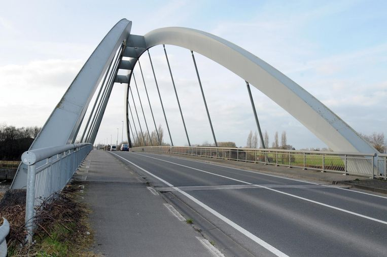 De Olsenebrug, die wel degelijk in de Dentergemse deelgemeente Oeselgem ligt en niet in Zulte.
