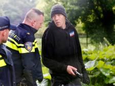 Voorman Nederland in opstand aangehouden vanwege bedreigen van oud-burgemeester Van Zanen met baksteen