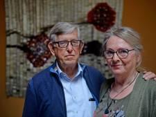 Enschedees echtpaar schenkt kunstwerk aan Roessingh: 'Er stond nog net geen bordje met welkom thuis'