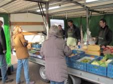 Weer kramen weg op markt Velddriel