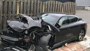 Man (39) crasht met Porsche en vlucht later uit ziekenhuis